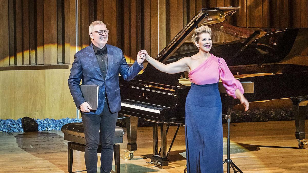 Joyce DiDonato y el pianista Craig Terry, ovacionados por el público. | Alfonso Suárez