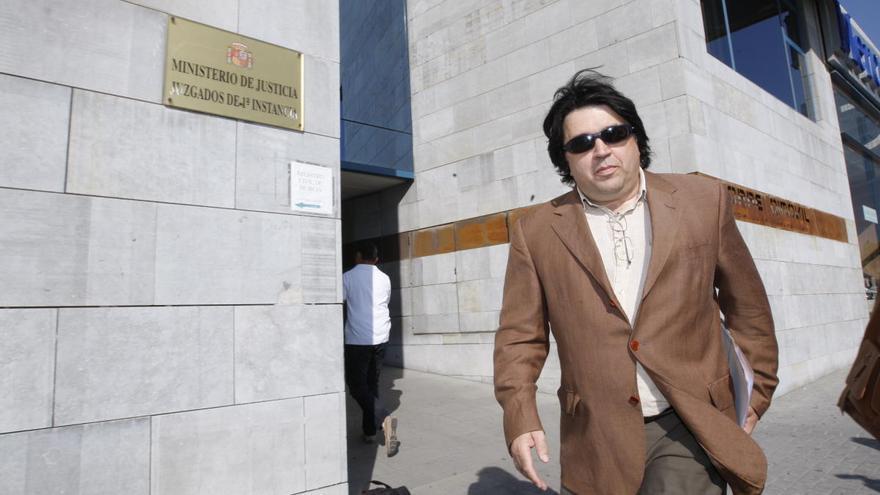 El abogado José Luis Mazón denuncia al alcalde de Madrid por el cierre de los parques