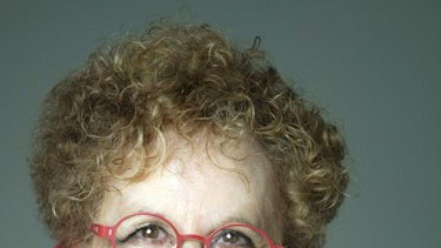 El Gobierno reconoce en el Día de las Escritoras a Isabel Medina