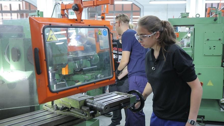 Las ofertas de empleo con exigencia de FP crecerán un 50% a corto plazo