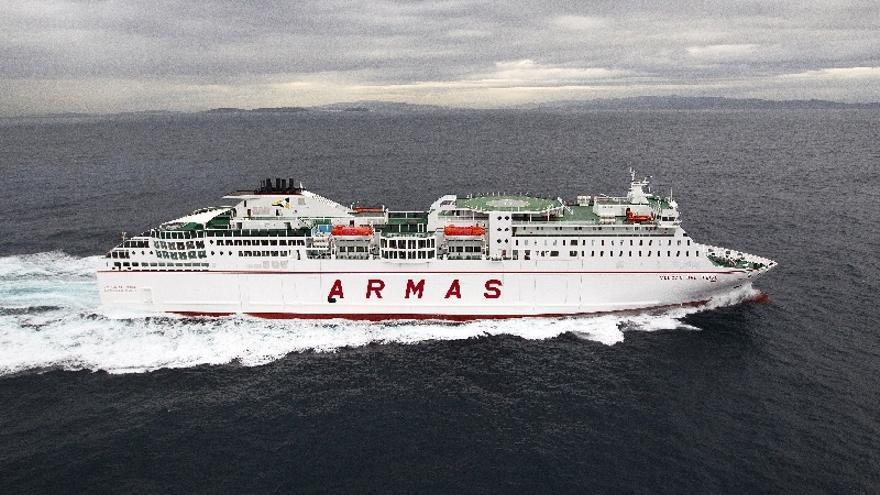 Armas Trasmediterránea cierra la venta de sus barcos y rutas en Baleares y se queda en Canarias