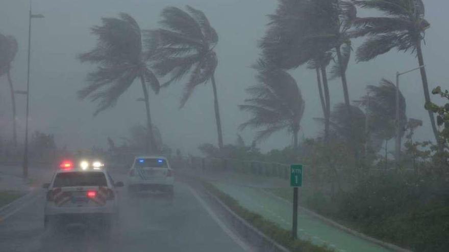 El huracán 'Irma' deja dos muertos y dos heridos graves a su paso por Barbados