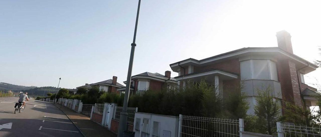 Chalés de la urbanización de Los Balagares, en Corvera.