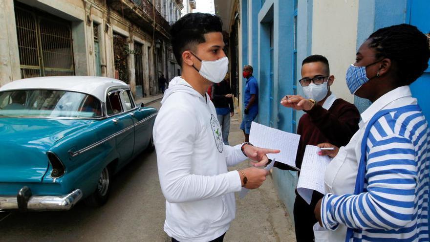 Cuba ofrecerá vacunar a los turistas que visiten la isla