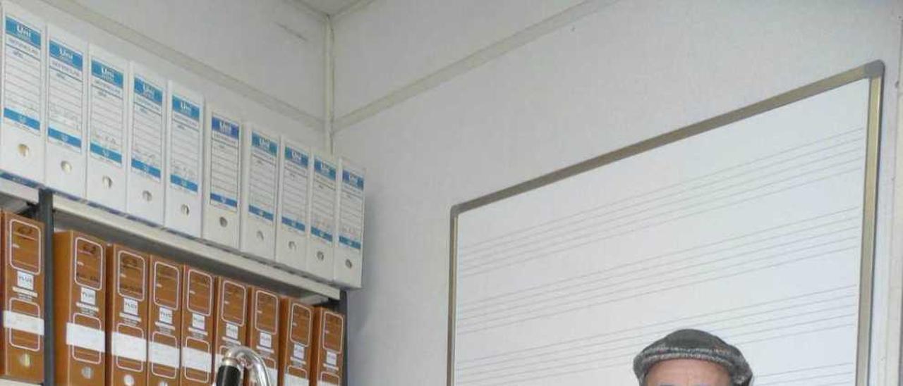 José Miguel Karrera-Génova, ayer, con los clarinetes bajo y alto.