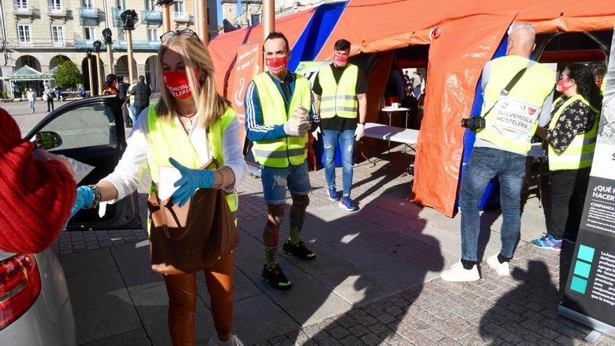 Cadena solidaria de donación de alimentos en A Coruña