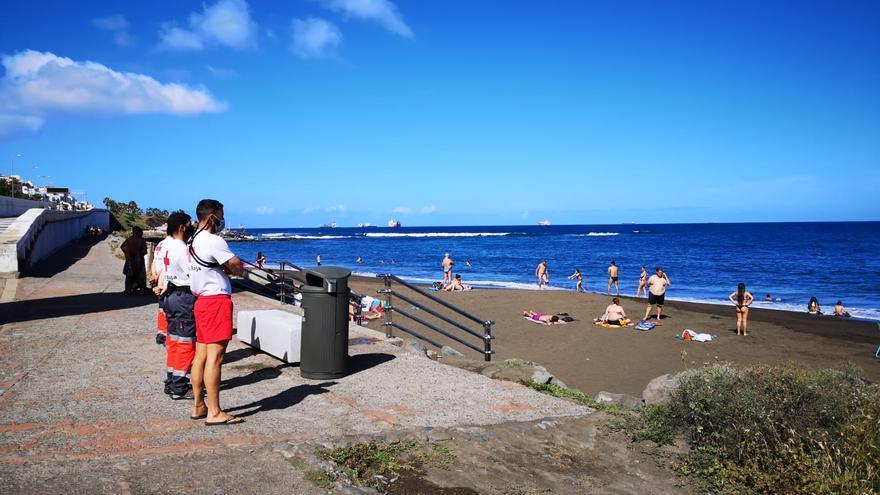 Salvamento cierra julio y agosto en las playas con 70 rescates y 286 asistencias