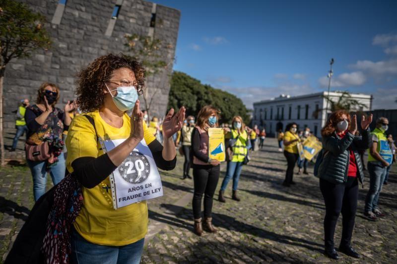 Manifestación por la paralización de la Oferta Pública de Empleo en Canarias