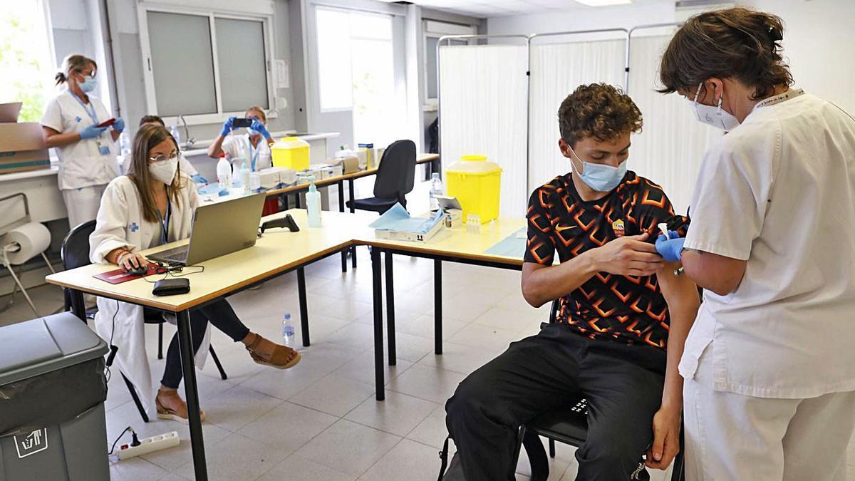Vacunació a estudiants de la UdG, sense cita, aquesta setmana.   ANIOL RESCLOSA