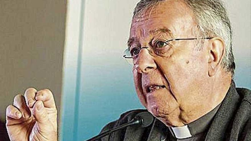 Taltavull pide «diálogo» ante el cese de una catequista de Menorca que se casó con otra mujer