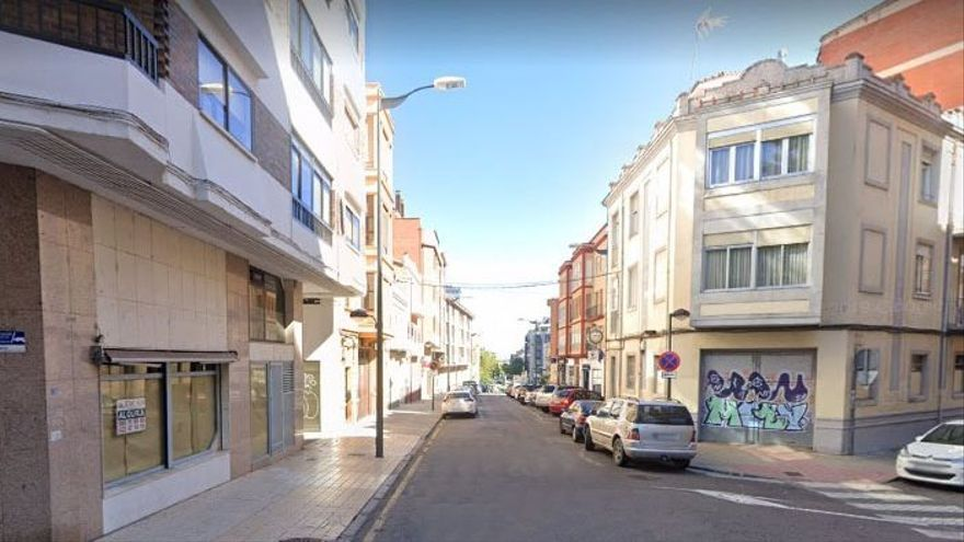 La calle Leopoldo Alas Clarín de Zamora cierra al tráfico quince días por obras
