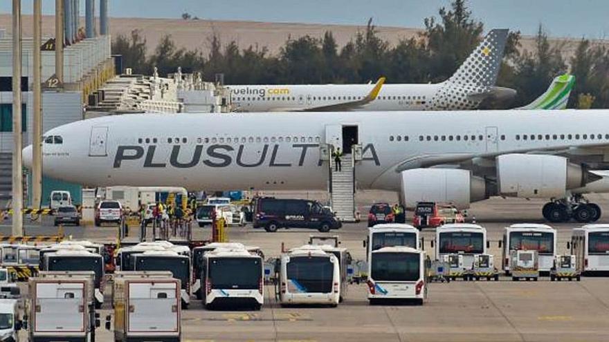 La cuestionada Plus Ultra retoma los vuelos entre las Islas y Caracas