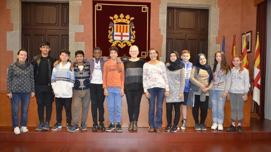 L'Ajuntament de Manresa rep alumnes de l'aula d'acollida de l'Institut Pius Font i Quer