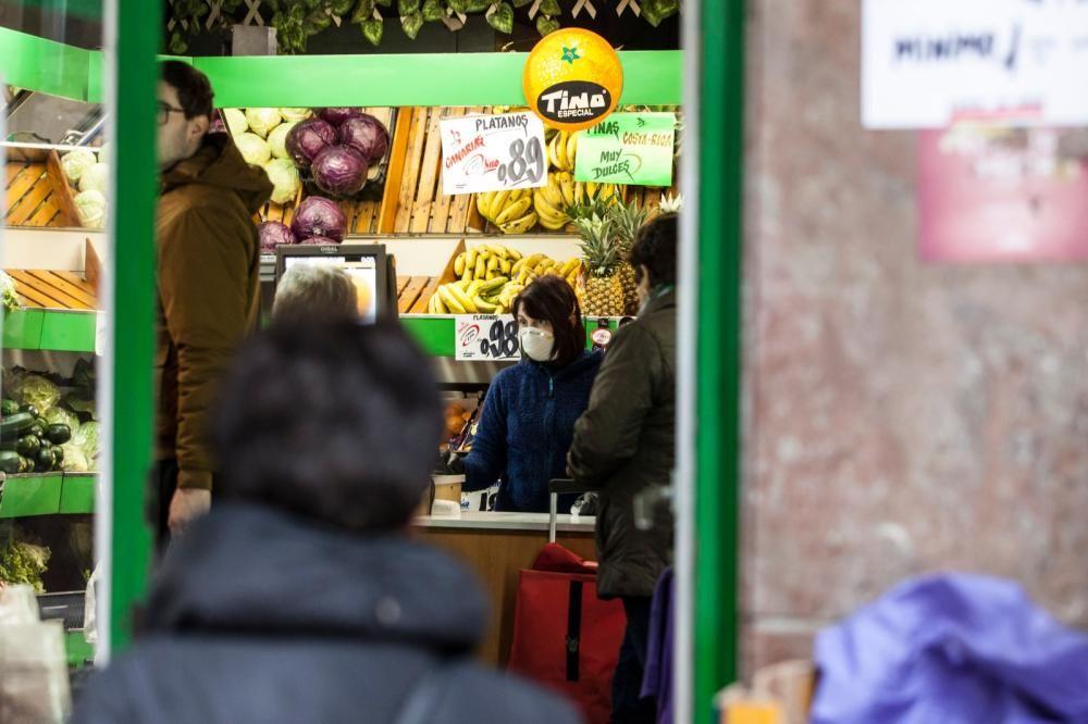 Regresa la calma relativa a los supermercados