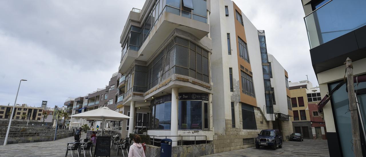 La sede del Club Hespérides objeto del desahucio, en la zona de Los Nidillos, en pleno paseo de Las Canteras, la semana pasada.