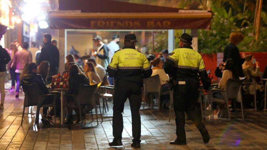 Empresarios del ocio nocturno acamparán ante el Palau de la Generalitat respaldados por 35 asociaciones
