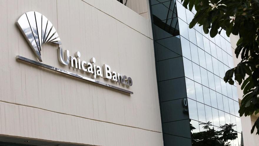 Unicaja y Liberbank acuerdan una fusión que preserva el control para Málaga