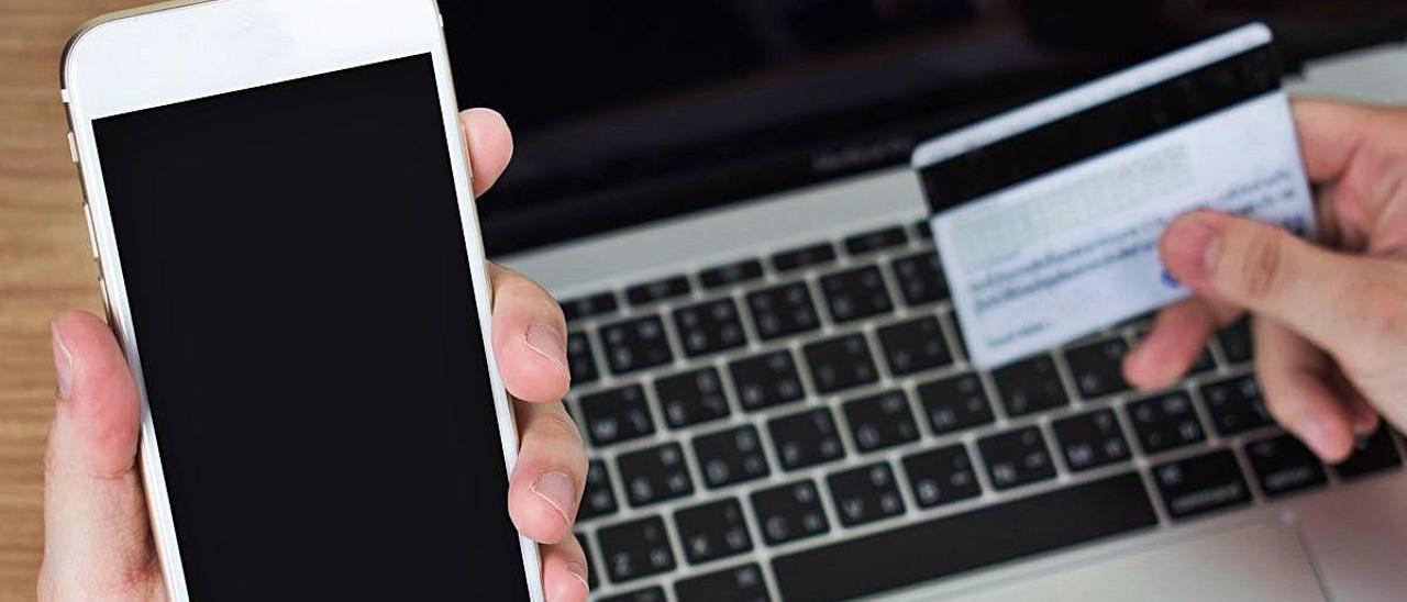 El móvil se ha convertido en la principal herramienta para operar la banca a distancia.
