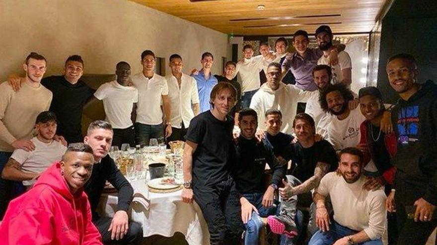 Bale acude por primera vez a la cena de jugadores desde el 2013