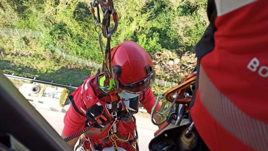 La mujer que cayó en verano por el viaducto de Serín, investigada por poner en riesgo a otros conductores de la autopista