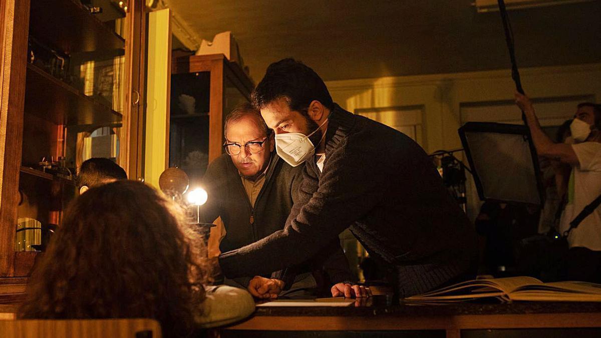 El cineasta zamorano Fernando Esbec dando algunas indicaciones a los actores.