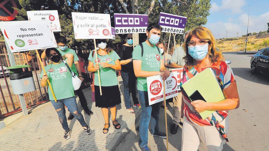 Aluvión de críticas a Campuzano por la falta de refuerzos en la plantilla