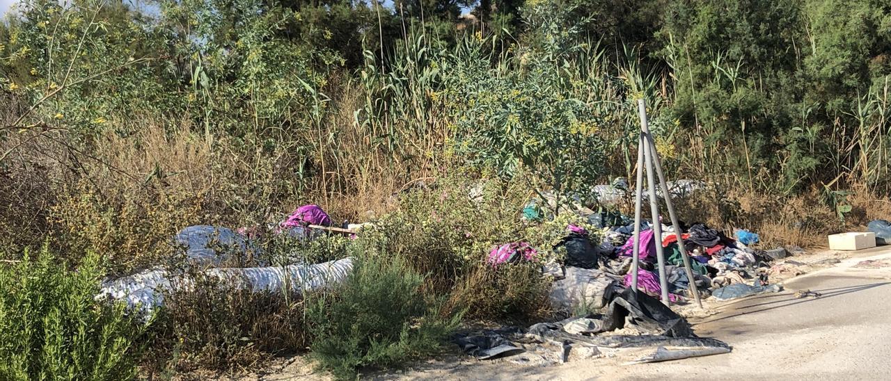 Imagen del vertedero ilegal en Hurchillo