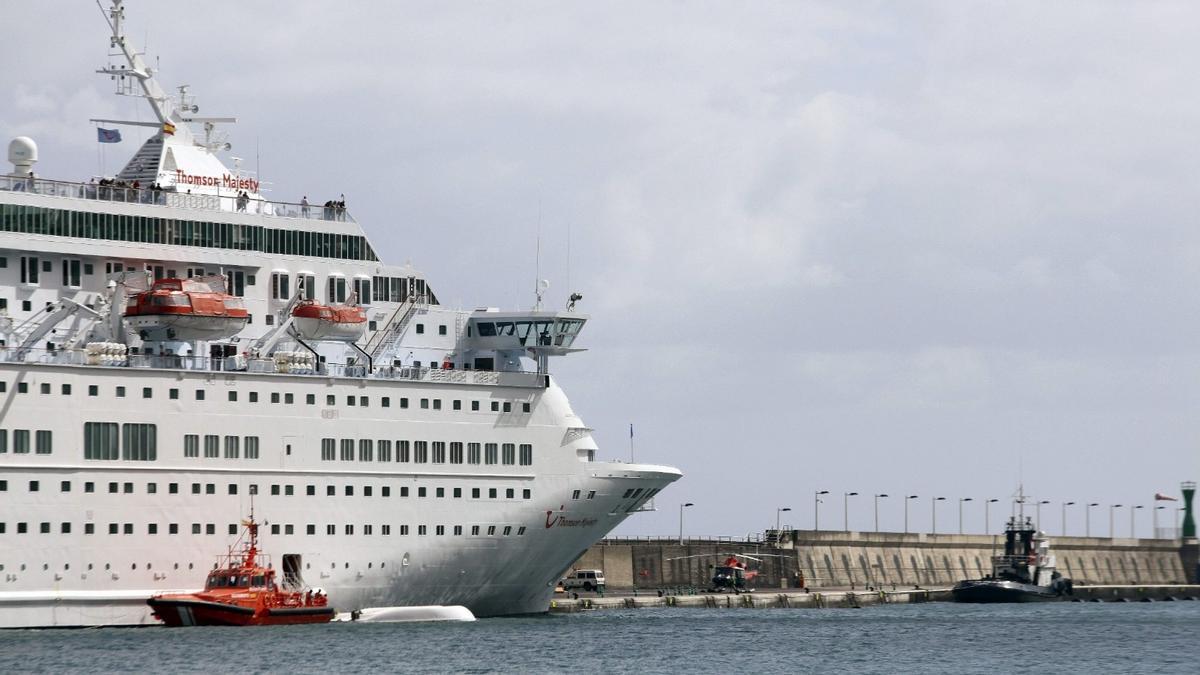 Fiscalía pide pena de cárcel para una pareja por estafar a una amiga con un falso crucero por el Caribe