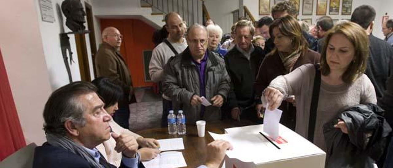 Militantes históricos valoran no volver al PSPV al  disolverse una agrupación con  76 años de vida