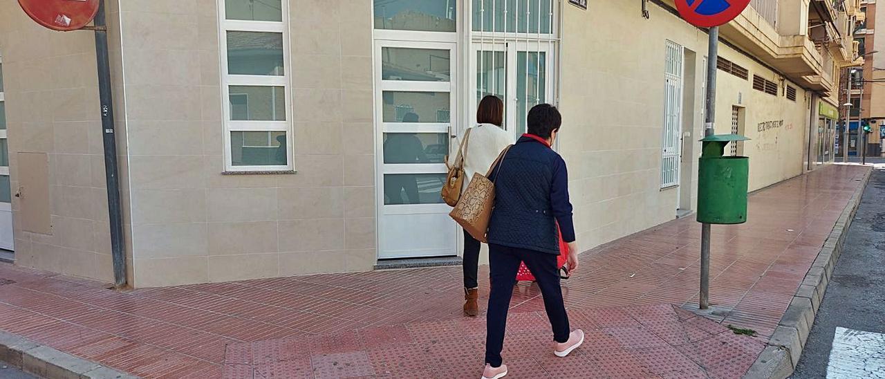 En este bajo próximo a Ancha de Castelar se han construido cuatro minipisos. | INFORMACIÓN