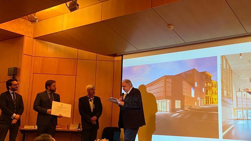 El Teatro-Auditorio de Illueca recibe en Bruselas la mención del premio europeo Philippe Rotthier