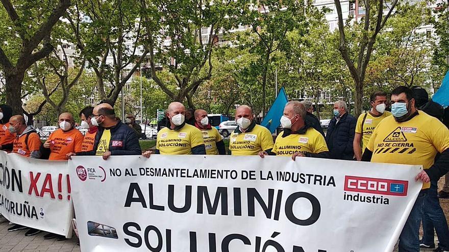 El Ministerio de Industria reunirá a la Mesa del Aluminio, pero no dice cuándo