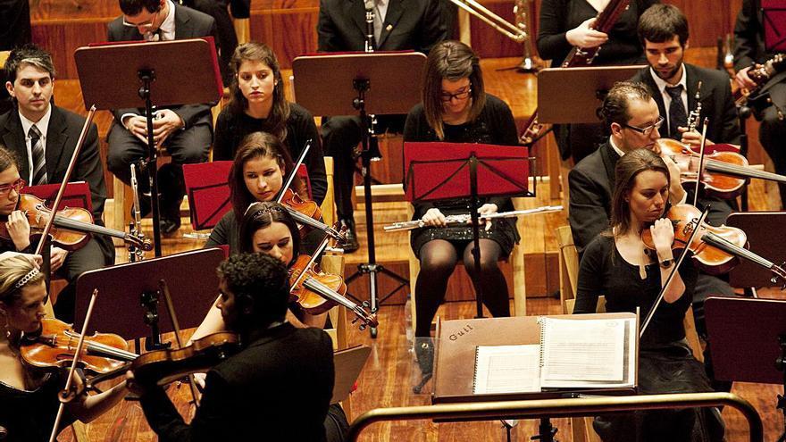 La Orquesta de Cámara de Siero vuelve a la actividad y afronta el cambio de su directiva