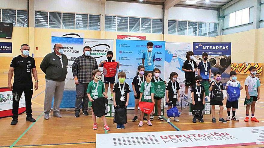O Bádminton Ponteareas logra 14 medallas no Campionato galego