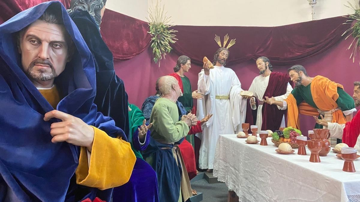 La cofradía de la Sagrada Cena ya exhibe sus imágenes