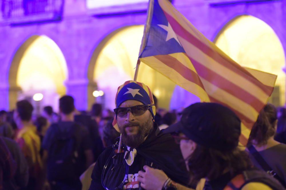 5.000 persones es manifesten a Manresa per protestar contra la repressió policial