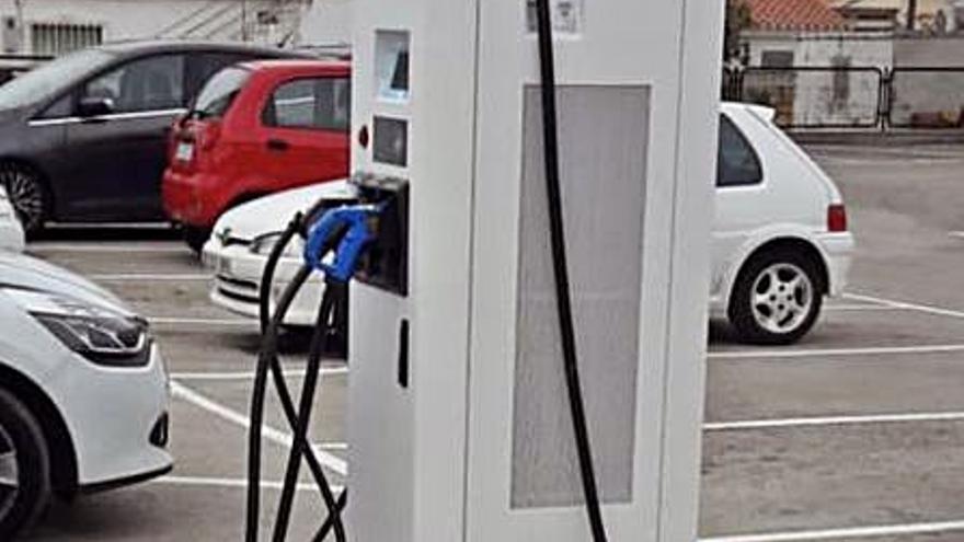 Dos meses esperando el permiso para una electrolinera en Dénia