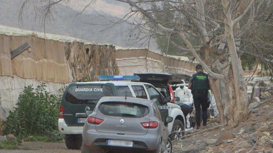 Un vecino de Las Palmas abandona e incendia un coche con un cadáver