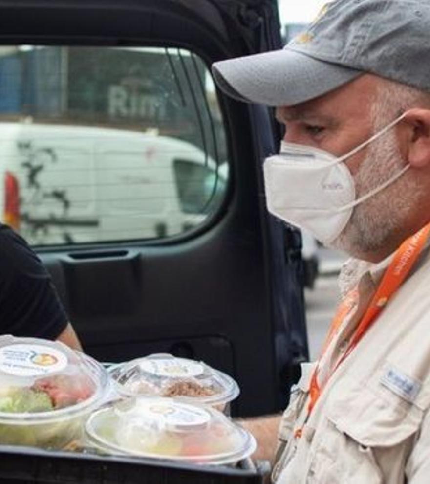 El chef José Andrés instala su cocina para los damnificados de La Palma