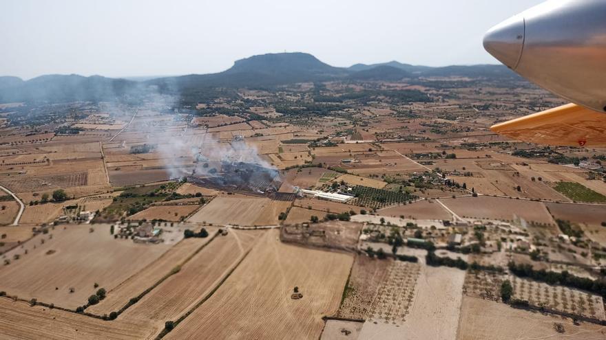 Medios antiincendios actúan sobre un fuego agrícola declarado en Montuïri