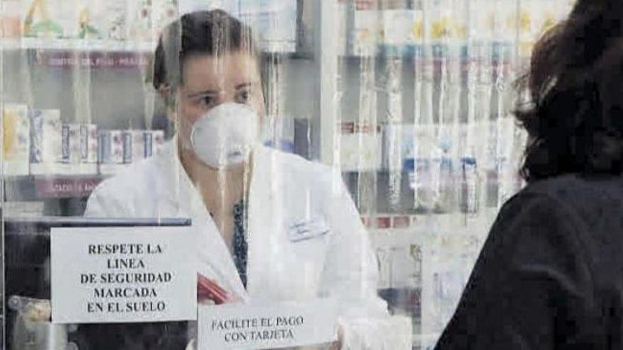 Las farmacias de Castelló piden poder sacar las muestras PCR para paliar el colapso de atención primaria