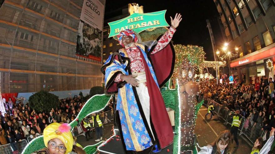 La magia de la cabalgata de los Reyes Magos 2020 de Vigo, en imágenes