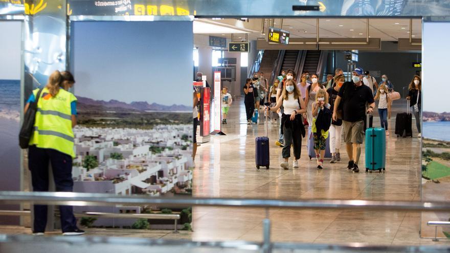 Aena coloca al aeropuerto entre los 17 del mundo más seguros frente al virus