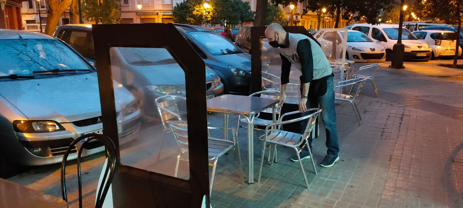 Bares y restaurantes reabren sus terrazas