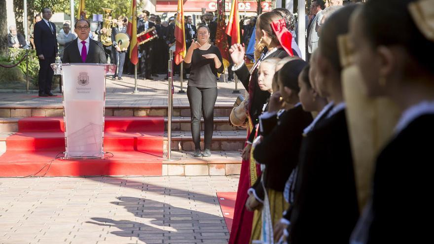 Benidorm rinde homenaje a uno de los «padres» de la Constitución