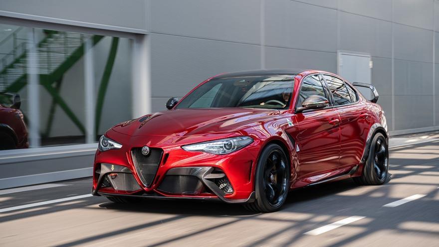 Alfa Romeo GTA: tradición y vanguardia en un coche sencillamente excepcional