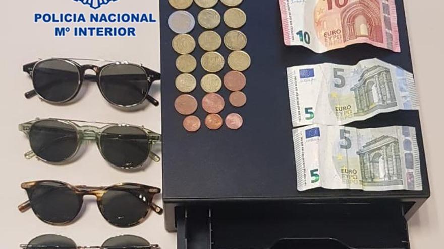 Dos detenidos por el robo de una óptica en Murcia