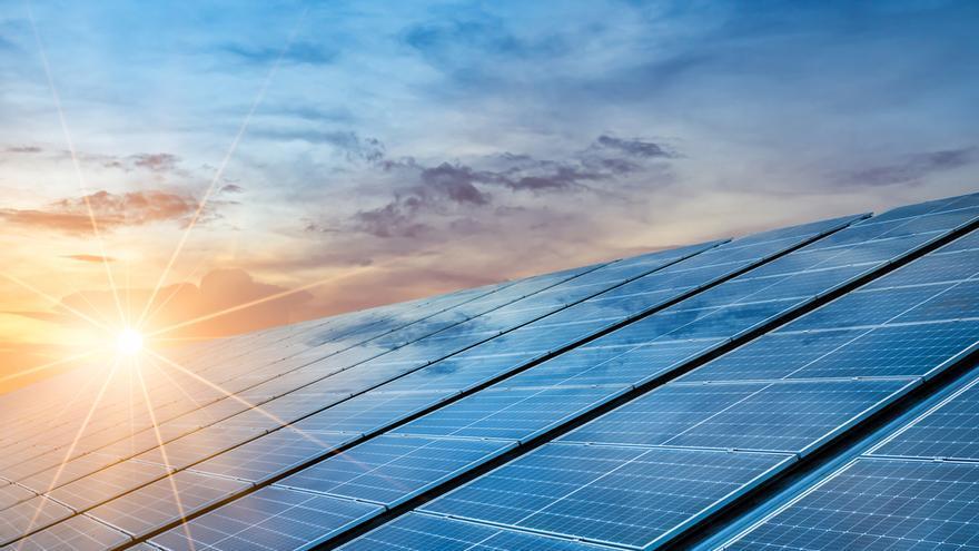 Descubre los beneficios de la energía solar y ahorra en tu factura de la luz gracias a las placas solares