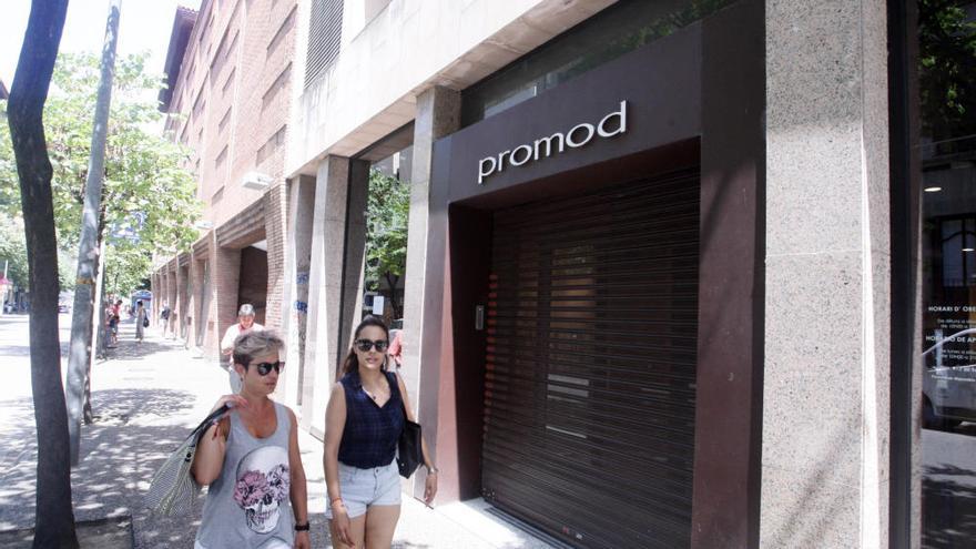 El tancament de Promod, Lacoste  i Cortefiel sacseja l'eix comercial