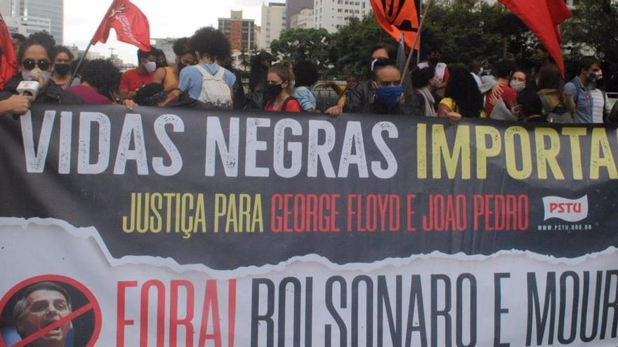 Seis personas serán juzgadas por una paliza mortal a un hombre negro en Brasil